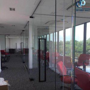 Dịch vụ làm vách kính văn phòng tại Quận 7