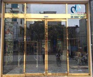 Thợ làm cửa kính 10 ly cường lực